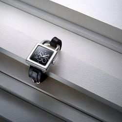 Relojes hechos con alma para brillar. ¡Deslumbra! ✨ ________________________________ • Disponible en web y tienda. • Nuestra página 👉 www.joyeriaonix.com • Envíos 24-48 horas. _________________________________ #reloj #relojUnode50 #Unode50 #regalos #jewels #Soyunode50 #Unode50watches #style #lugo #joyeriaonix #joyerialugo